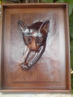 ウリボレリーフ像