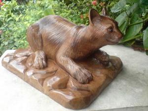 カカピアン彫刻像